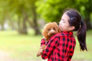 Girl with poodle. Photography by Masakecil.