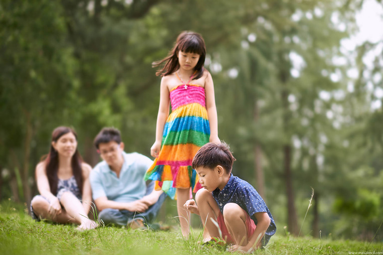 An afternoon at the park. Family photography by Hendra Lauw.